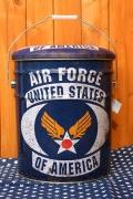 ペール缶スツール エアフォース U.S AIR FORCE 座れるオイル缶 フタ付きバケツ アメリカ雑貨屋 サンブリッヂ 通販