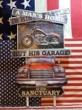 アメリカンウォールデコ看板 A MAN'S HOME エンボス加工 差し込み 壁掛け ブリキ アメリカ雑貨屋 サンブリッヂ