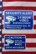 セキュリティステッカー 危険サイン 畜光ステッカー 防犯カメラ ドライブレコーダー アメリカ雑貨屋 サンブリッヂ アメリカ雑貨通販