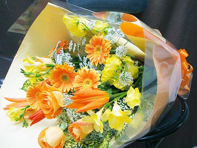 花束 ビタミンカラー