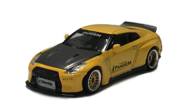 MINI GT 1/64 Pandem Nissan GT-R R35 ダックテイル メタリックイエロー/カーボン(右ハンドル)