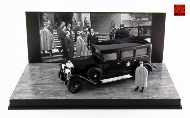 RIO  1/43 フィアット 519 S リムジン 1929 イタリア国王 ヴィットーリオ・エマヌエーレ3世  *フィギュア付属