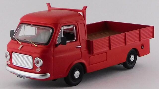 RIO 1/43 フィアット 241 ライトトラック(ロングボディ) 1968 レッド *レジン製