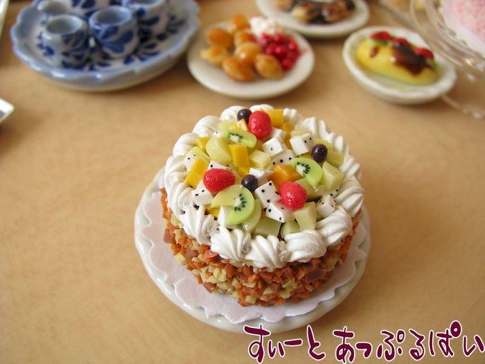ホールケーキ フルーツカクテル