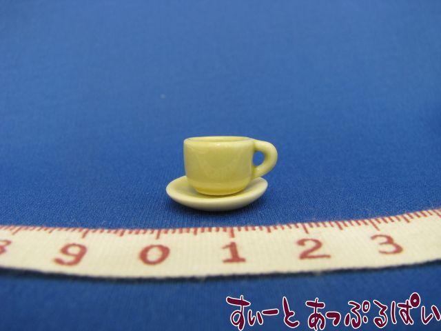 ハンドメイド陶器のカップ&ソーサー 薄緑 SMCCSP154