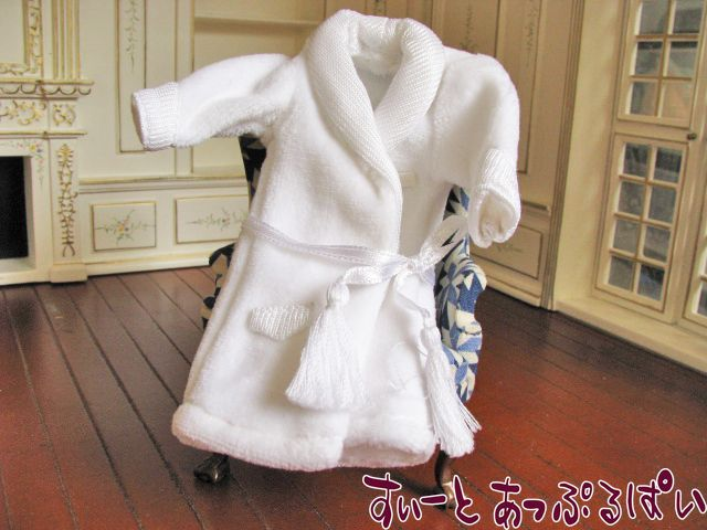 【Heidi Ott】 ハイジオット男性ドール用お着替え ガウン ホワイト HO-XZ917-W