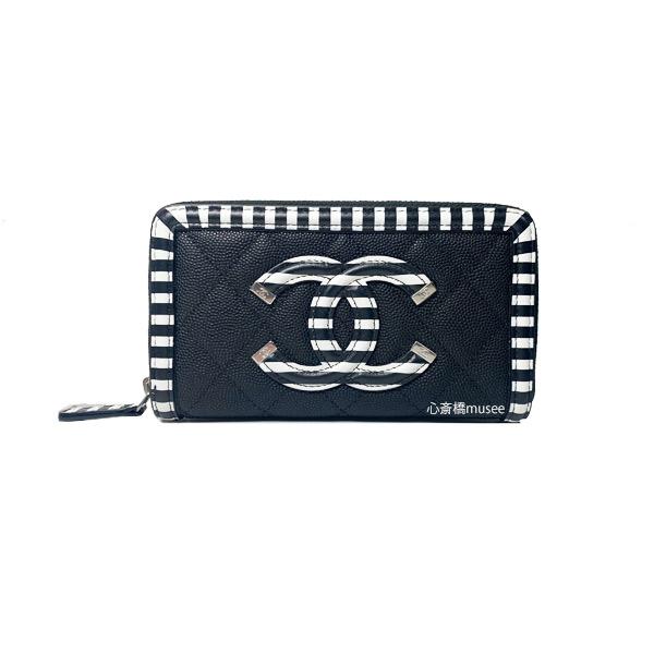 CHANEL シャネル 19クルーズ スモールジップウォレット ラウンドファスナー 中財布 キャビアスキン A84446 「CC フリグリー FILIGREE」 ブラック × ホワイト ストライプ シルバー金具 CCマーク 新品 箱 リボン カメリア ラッピング