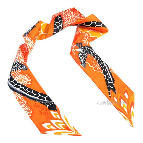 ≪新品≫エルメス ツイリー「THE THREE GRACES/三神美」ORANGE/MANGUE/GRIS ANTHRACITE オレンジ×マンゴー×グリアントラシト スカーフ ミニ 箱 リボン ラッピング キリン シルク