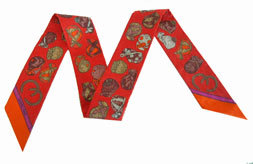 ≪新品≫ エルメス ツイリー ジョッキー 《JOCKEY》 赤 スカーフ 箱リボンのラッピング