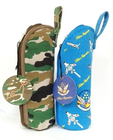 自衛隊グッズ  ペットボトルカバー ブルーインパルスと迷彩