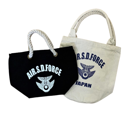 自衛隊グッズ トートバッグ AIR.S.D.FORCE 徽章 ハンドルロープトート(黒)とベーカリートート(生成り) の2種 キャンバス生地