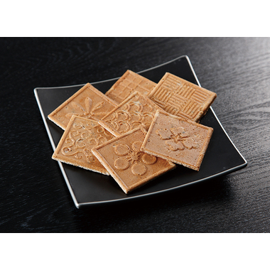 【菓子 進物】 黒豆豆乳きなこせんべい (8枚入×100袋)
