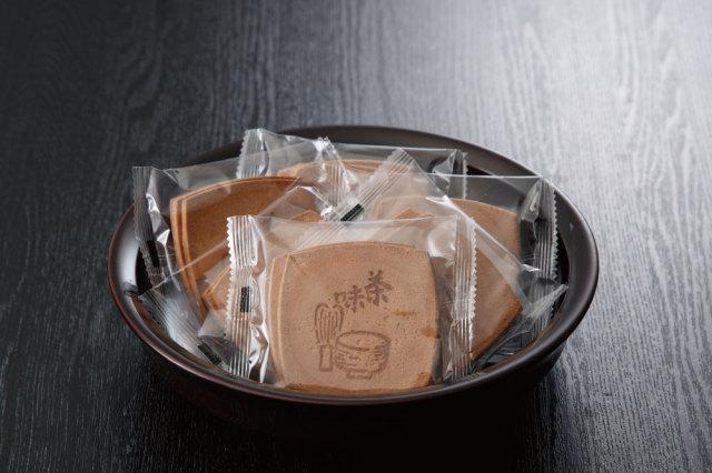 【菓子 進物】 福生オリジナル既製焼き印 卵せんべい 1袋2枚入(250袋×1斗缶)