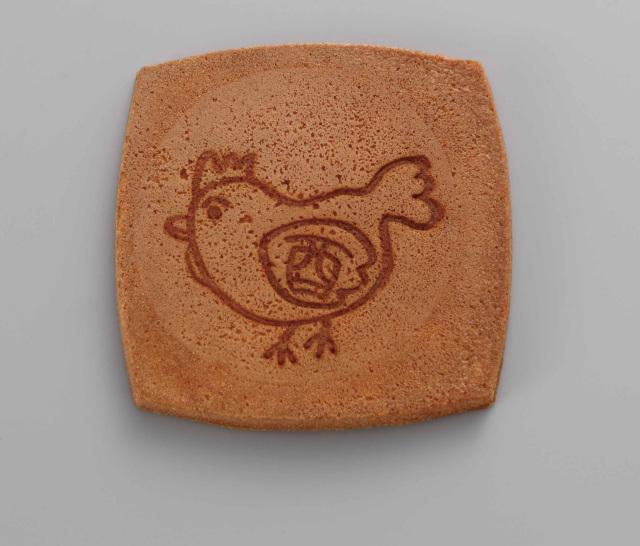 【菓子 進物】 干支(酉)焼き印 卵せんべい 1袋2枚入(250袋×1斗缶)