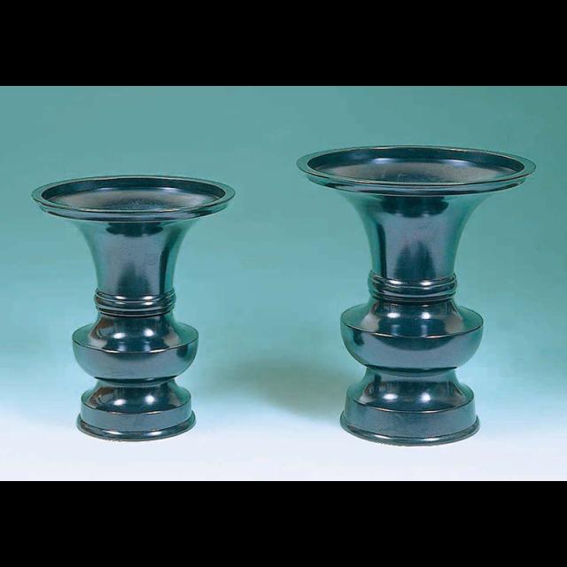 《9255》【仏具 花瓶 寺院用】花瓶中口 真鍮黒うるし塗