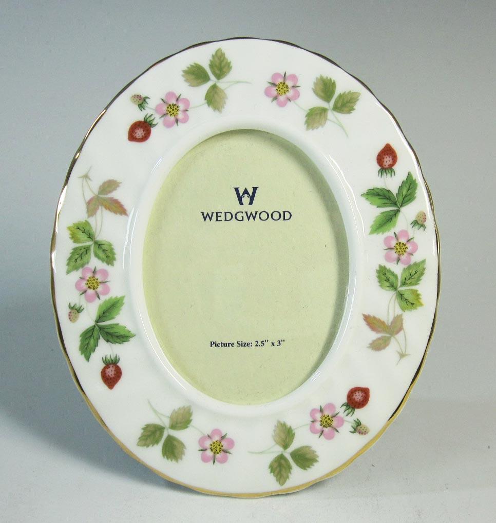 ウェッジウッド Wedgwood ワイルドストロベリー オーバルフォトフレーム Sサイズ