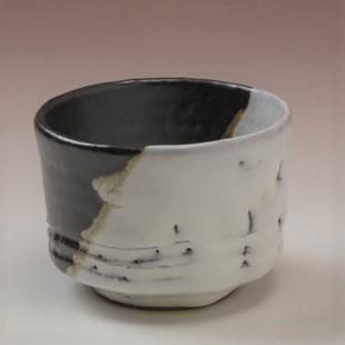 萩焼(伝統的工芸品)そばちょこ掛分け(鬼白竹&黒釉)筒線彫