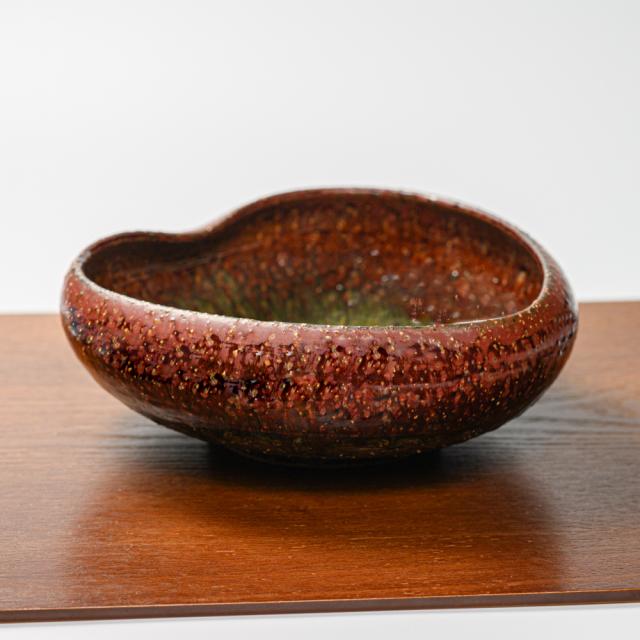 萩焼(伝統的工芸品)鉢鉄赤釉荒桂葉形
