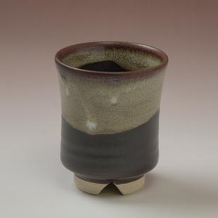 萩焼(伝統的工芸品)湯呑掛分け(黒釉&わら)端反