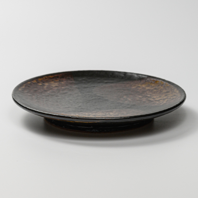 萩焼(伝統的工芸品)平皿中掛分け(鉄赤釉&黒釉)丸