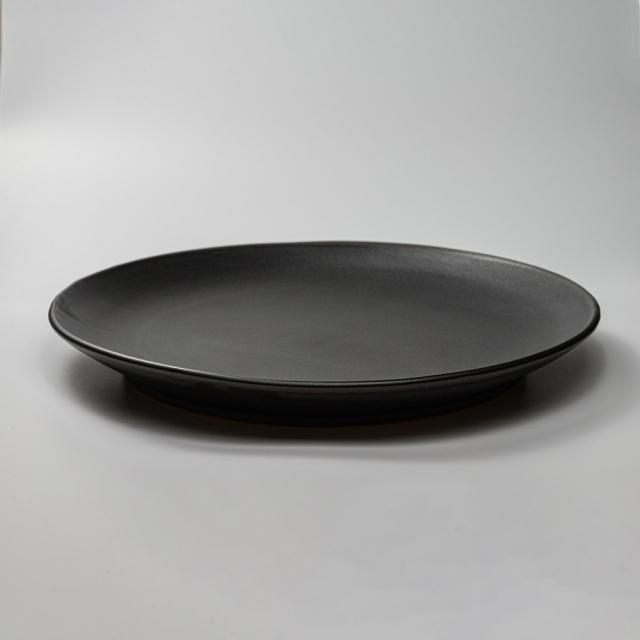 萩焼(伝統的工芸品)特大皿大黒釉丸