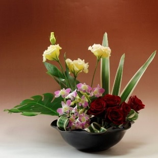 萩焼(伝統的工芸品)水盤銀黒星釉朝顔輪花