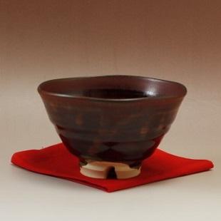 萩焼(伝統的工芸品)抹茶碗鉄赤釉井戸形