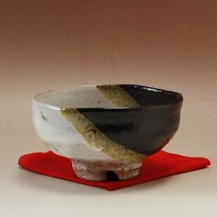 萩焼(伝統的工芸品)抹茶碗上掛分け(鬼白荒梅&黒釉)馬盥