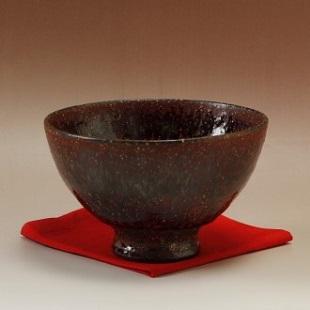 萩焼(伝統的工芸品)抹茶碗特鉄赤釉荒黒刷毛井戸形