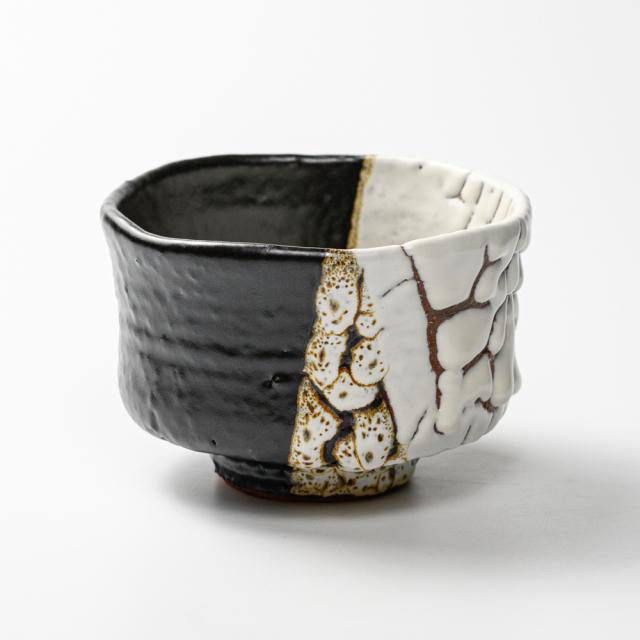 萩焼(伝統的工芸品)抹茶碗極上掛分け(鬼白荒特&黒釉)端反