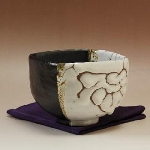 萩焼(伝統的工芸品)抹茶碗極上掛分け(鬼白荒特&黒釉)四方