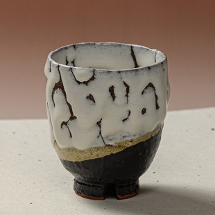 萩焼(伝統的工芸品)湯呑掛分け(鬼白荒松&黒釉)呉器ヘラメ