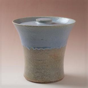萩焼(伝統的工芸品)水指掛分け(姫萩荒&淡青釉)端反(共蓋付)