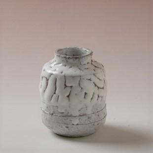 萩焼(伝統的工芸品)茶入鬼白松肩衝