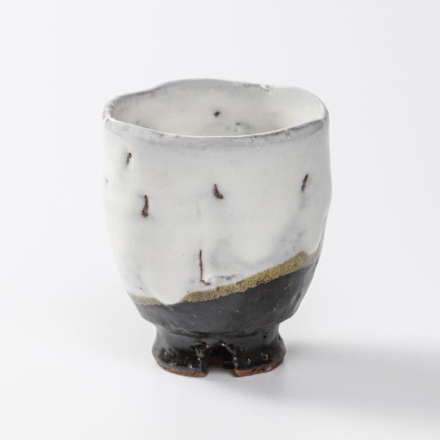 萩焼(伝統的工芸品)湯呑小掛分け(鬼白荒竹&黒釉)呉器ヘラメ