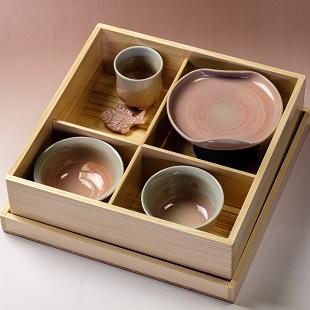 萩焼(伝統的工芸品)お食い初め膳刷毛姫「箱入り娘」塗り箱入り