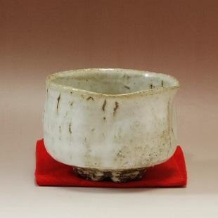 萩焼(伝統的工芸品)抹茶碗わら釉濁り手半筒えくぼ