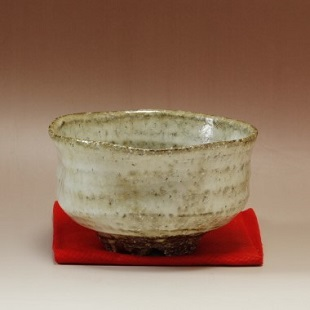 萩焼(伝統的工芸品)抹茶碗わら釉濁り手沓形
