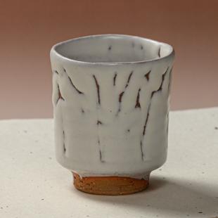 萩焼(伝統的工芸品)湯呑大鬼白松竹筒線彫