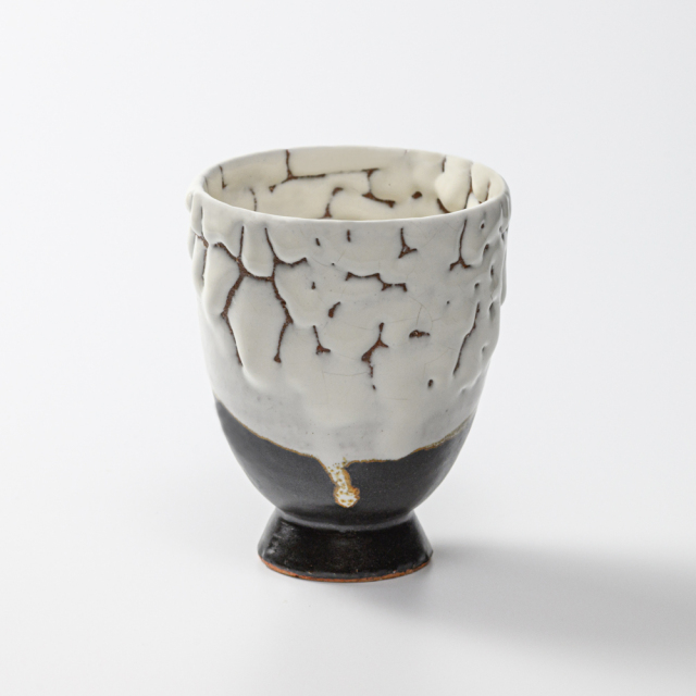 萩焼(伝統的工芸品)タンブラー小掛分け(鬼白松&黒釉)呉器撥高台