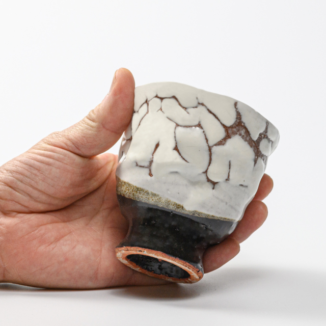 萩焼(伝統的工芸品)フリーカップ掛分け(鬼白松&黒釉)呉器えくぼ