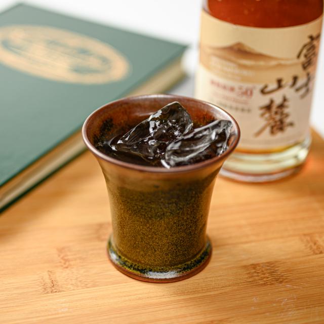 萩焼(伝統的工芸品)フリーカップ大金黒星釉端反鍔高台
