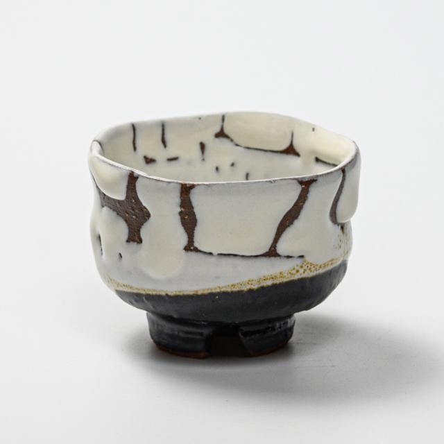萩焼(伝統的工芸品)ぐい呑掛分け(鬼白松&黒釉)胴締