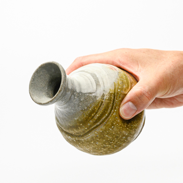 萩焼(伝統的工芸品)徳利掛分け(刷毛青&緑釉)丸鶴首線彫