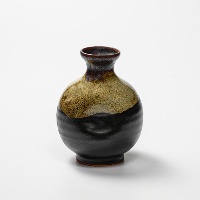 萩焼(伝統的工芸品)徳利掛分け(黒釉&わら)丸えくぼNo921