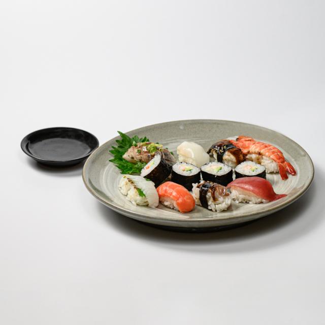 萩焼(伝統的工芸品)特大皿のイメージ