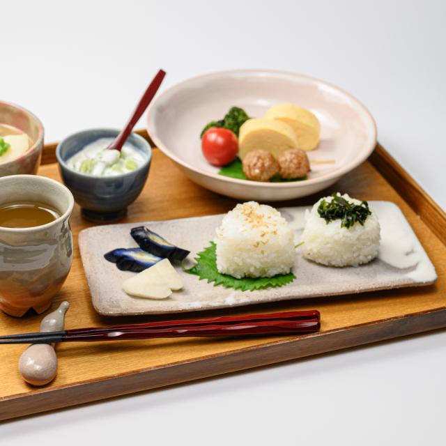 萩焼(伝統的工芸品)タタラ皿のイメージ