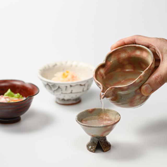 萩焼(伝統的工芸品)酒注ぎのイメージ