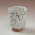 萩焼(伝統的工芸品)湯呑鬼白松筒線彫