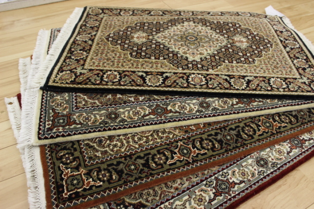 超高級品がこの価格!インド製約170段手織り緞通 マヒ柄 ウール100% 玄関マット カーペット 【ムーガル緞通】 約63×97cm
